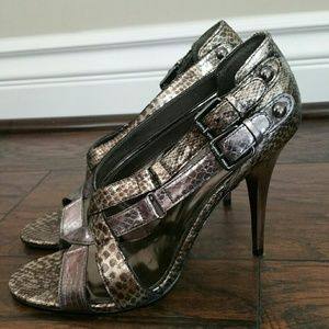 GUESS silver heels